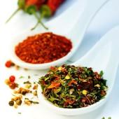  En plus d'être  des exhausteurs de goût, les épices sont riches en antioxydants et peuvent faciliter la digestion pour certaines.  Quelle est ton épice du moment? Perso, en ce moment c'est le gingembre.                --------------------------------- #epices #gingembre #curcuma #girofle #poivre #cannelle #cuisinefacile #gout#alimentationsante ---------------------------------      